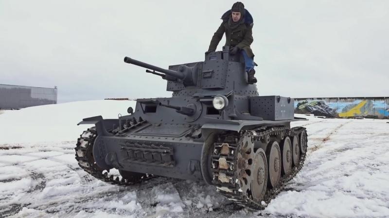 Не бит, не крашен Танк Pz-38 (t)_ с девушкой в танке и подушка вместо глушителя