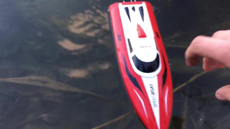 Маленький Скоростной катер на радиоуправление Syma Q2 Genius (36 см, 20 км/ч, 2.4Ghz)
