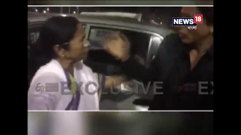 Mamata Banerjee drop Shahrukh Khan at kolkata Airport by his own car