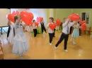 Красивый вход на утреннике 8 МАРТА в детском саду Танец с сердцами для мам