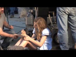 Chloe Moretz Hick (behind the scenes)