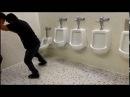 Никогда не сдавайся или юрий бойко в туалете
