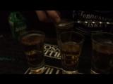 Она небудет пить эту красоту сказала брат мне )) и выпила два три таких сета))) ф шотах))