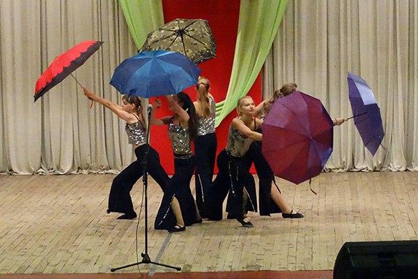Для старшего поколения Зеленчукского района провели концерт