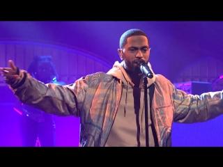 Выступление Big Sean с треком «Sunday Morning Jetpack» на «SNL»