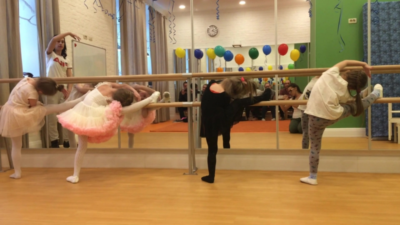 Открытый урок • БАЛЕТНАЯ СТУДИЯ • май 2017 • упражнения у балетного станка • часть 3