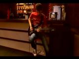 Живая гитара в лаунж-баре PINA COLADA