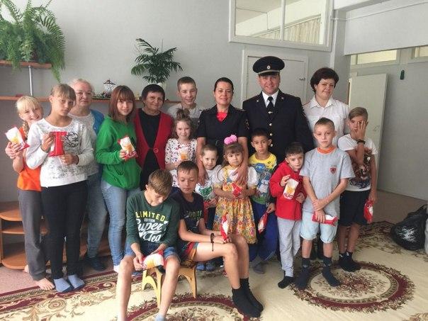 Усть-Илимские полицейские присоединились к благотворительной акции «Собери ребенка в школу»
