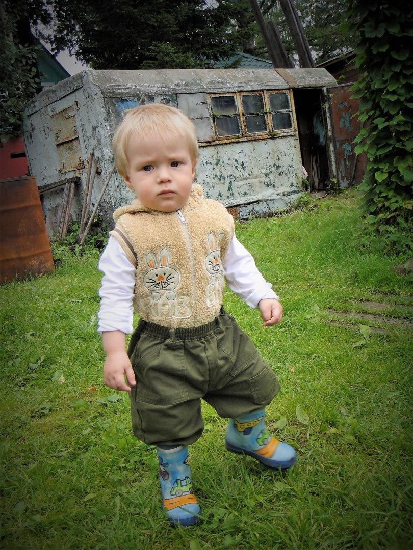 фото, ребенок, резиновые сапоги, дача