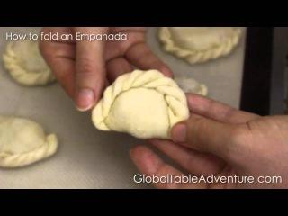 How to fold (repulgue) an Empanada (Global Table Adventure)