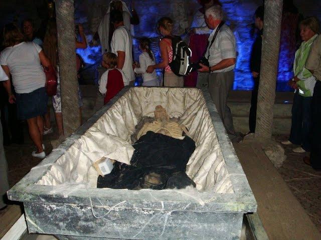 Вскрытие гроба этого казаха привело к мировой войне Вся Россия была в шоке и пож ...