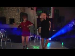 Вот как надо зажигать ! Russian girls dance