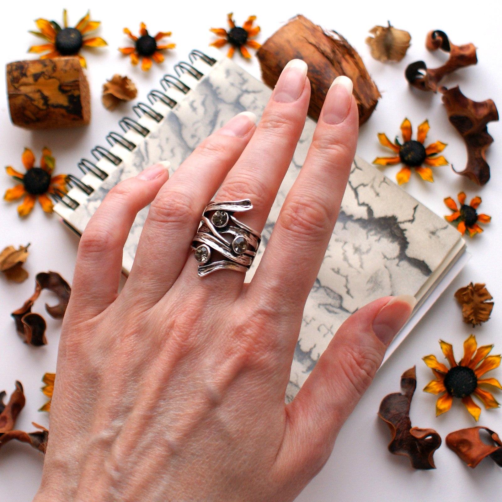 Необычное кольцо из магазина Viennois official store