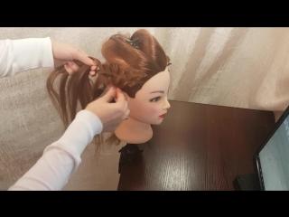 прически hairstyle для средних волос с плетением и валиком