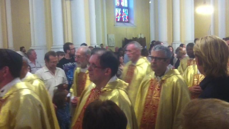 Праздничная месса, приезд государственного секретаря Ватикана, Кардинала Пьетро