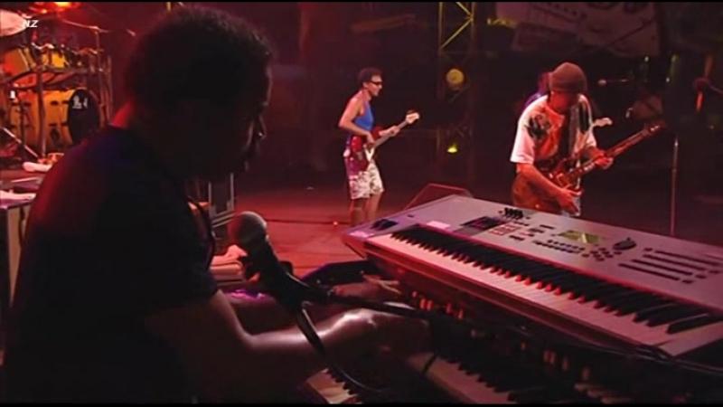 Carlos Santana - Eric Clapton - JinGo (Jin-Go-Lo-Ba) Live Video