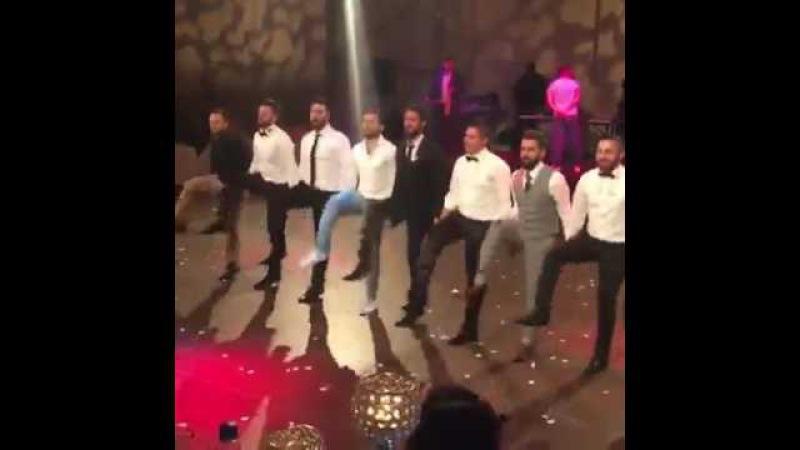 Trabzonlu Damat Düğünde Ortalığı Yıkıyor