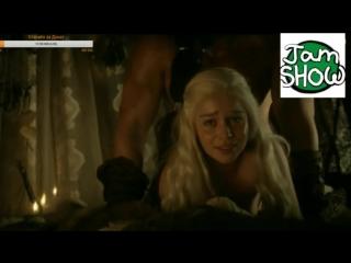 "Divos studio | эмилию кларк жестко имеют сзади. секс сцена из сериала ""игра престолов"""