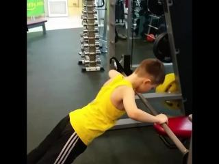 — Мне кажется ты дрищ.— Нет!— Что нет?— Тебе не кажется.??? http://www.fresh-fitness.ru/#freshfitness #trening #командафрешф
