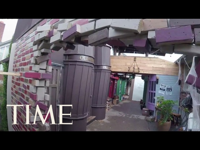 The Wizarding World's Coolest Dad Actually Built A Life-Size Diagon Alley For His Kids | TIME