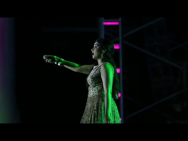 Shreya Ghoshal Singing Yeh Ishq Haaye at Mangalore