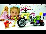 #Барби собирает ЛЕГО Энгри Бердз