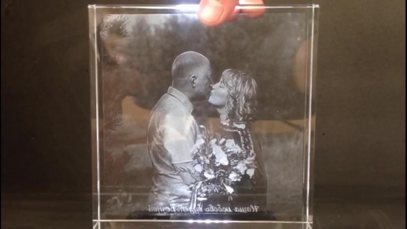 Кристалл 15*15*3 см с гравировкой фото внутри стекла