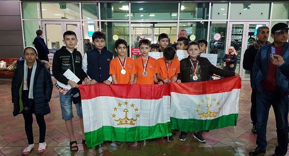 Таджикистан попал в мировой топ по числу наград на школьных олимпиадах