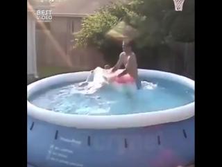 Чем заняться в бассейне