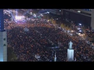 На митинге против президента Южной Кореи танцевали и пели