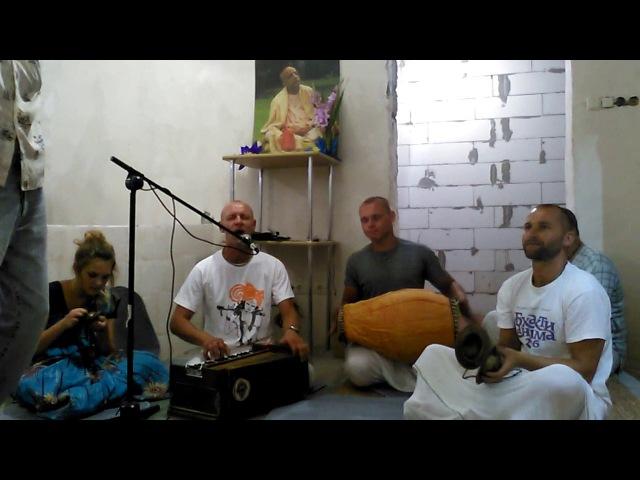 Kirtan on Krishna-janmashtami in Kherson 15.08.17. Киртан на Кришна-джанмаштами в Херсоне .