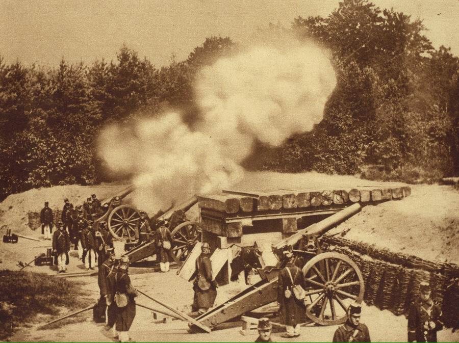 Бельгийская артиллерийская батарея в действии