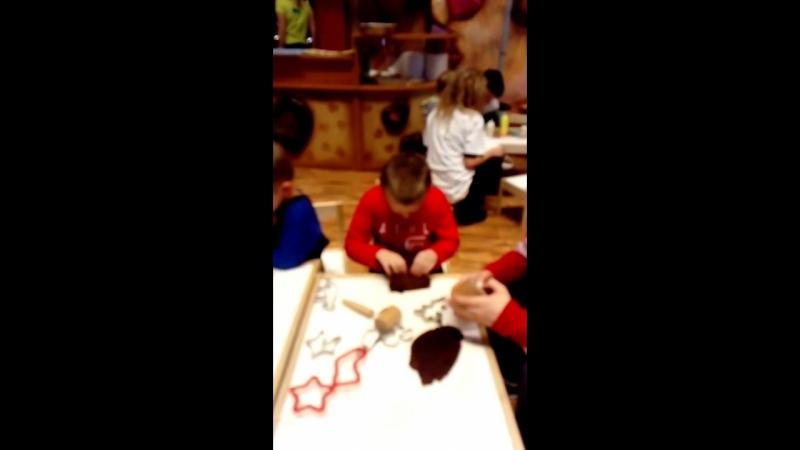 Умелые ручки) сделай сам) лепит рождественский пряник) вкусняшка 🍪👍