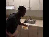 Когда нет молока для хлопьев (VHS Video)