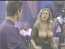 красотка Ким Чемберс показала шикарные сиськи на ток-шоу Девушки Секси.не порно,не секс.не эротика,