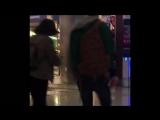 07.08.2017 - Роберт в аэропорту Лос-Анджелеса (фан видео)