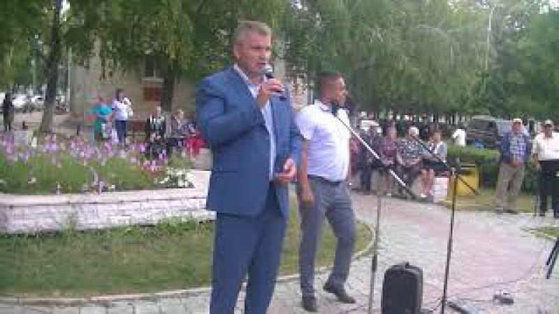 Алексей Куринный и Айрат Гибатдинов на встрече с жителямив Новоульяновске