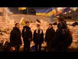 12 декабря 2013 Гимн Украины на баррикаде на Крещатике Евро майдане в Киеве 2013