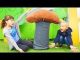 Видео для детей с игрушками. Веселые игры для детей. Куклы монстер хай. Идем в поход за грибами!