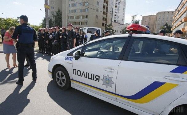 Поліція активніше застосовуватиме зброю та електрошокери – Аваков