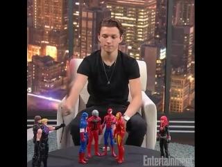 """Том Холланд играет со Мстителями """"Человек-паук: Возвращение домой"""" / Tom Holland SpiderMan  Homecoming"""