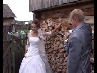 В деревне на свадьбе