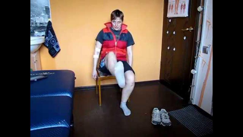 Упражнения для ног сидя на стуле Leg exercises sitting on a chair
