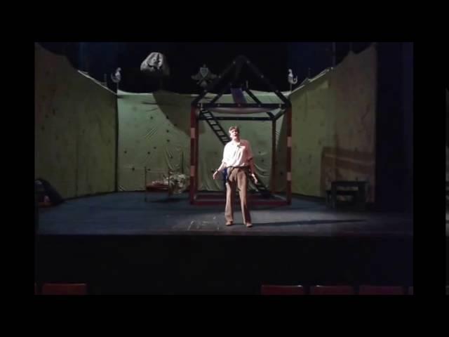 Репетиция перед спектаклем .Работает Николай Качура. МТЮЗ. 01.10.2016.