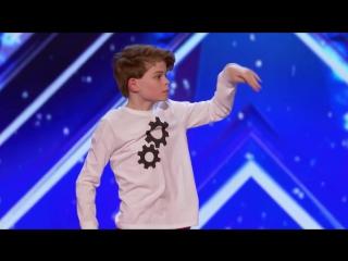 12-летний парень передал эмоциональную историю через танец