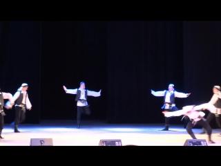 Танец джигитов