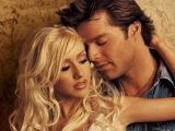 клип Ricky Martin feat. Christina Aguilera - Nobody Wants To Be Lonely 2001
