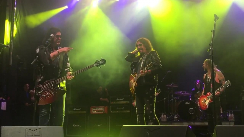 Gene Simmons and Ace Frehley of KISS Reunion Parasite St Paul September 20, 2017