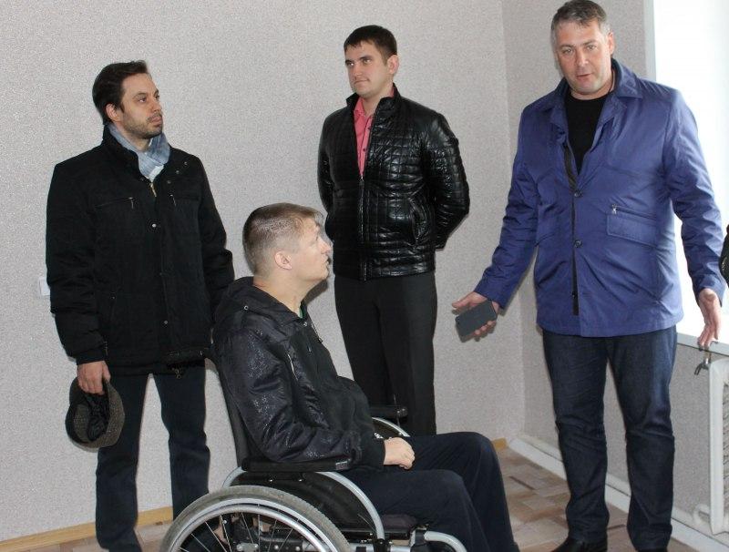 Инвалид спустя 2 года добился адекватной квартиры