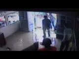 Опубликовано видео драки из кафе на Сергели, в котором ножом ранили девушку https://t.me/joinchat/AAAAADv7jmYKEefaMsCMFg